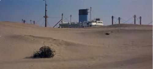 Le canal de Suez.